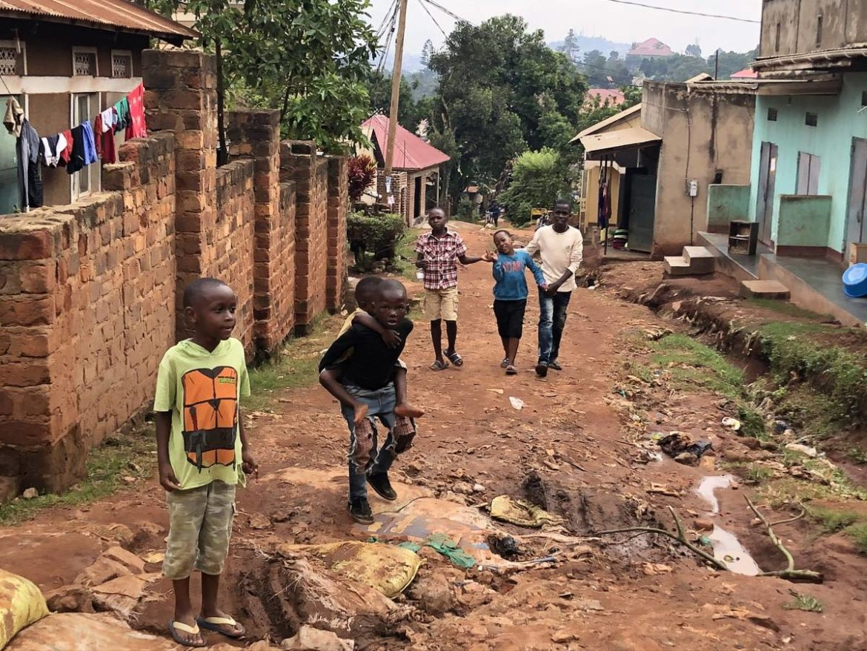 Kinder in Kampala Uganda