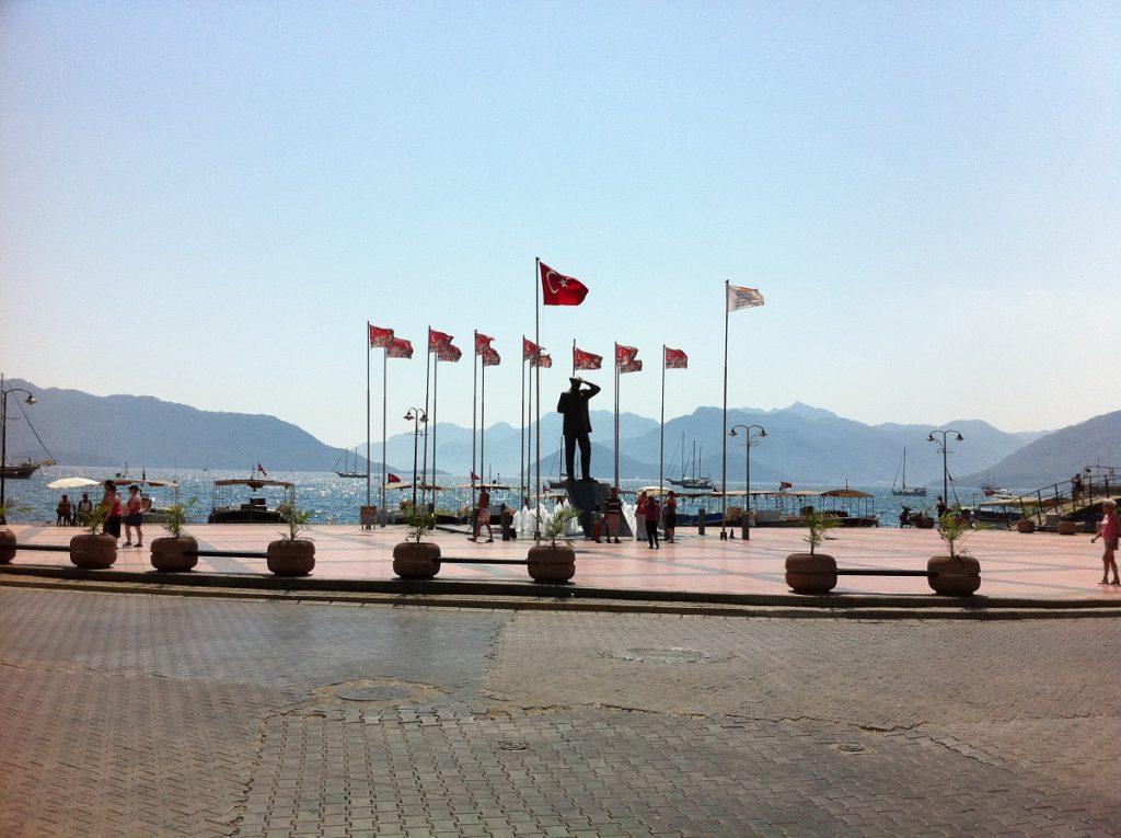 Türkisches Denkmal in Marmaris